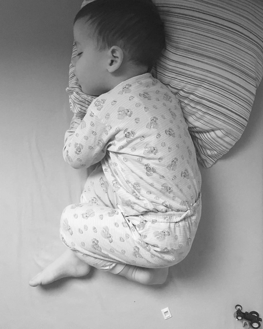 Neki skorotrogodinjaci zauvek ostaju bebe Makar spavali u krevetu sahellip